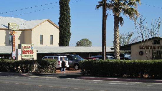 Larian Motel: streetview