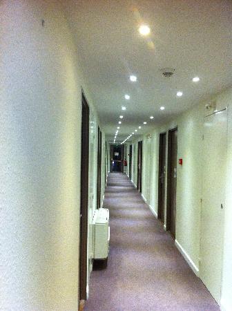Kyriad Montpellier - Aéroport : Couloir