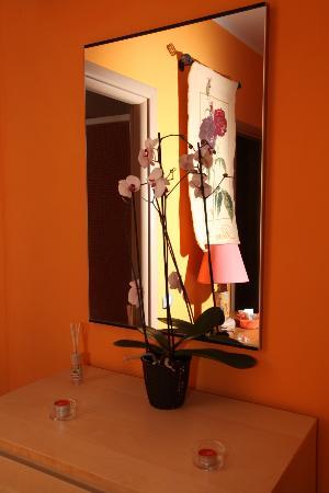 B&B Roma Gianicolense: particolare camera rubino