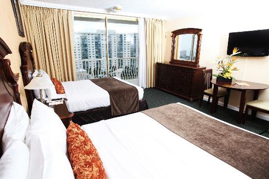 Ramada Plaza Marco Polo Beach Resort : City/Park View Room