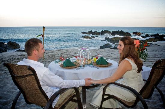 Ylang Ylang Beach Resort: Romantic Beach Dining Experience