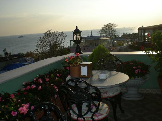 Dersaadet Hotel Istanbul: terrazza