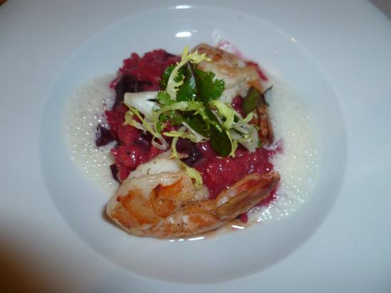 Allgäuer Terrassenhotel: Rote Beete Risotto mit Garnelen