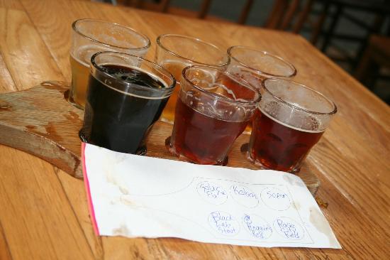 Lucky Labrador Brew Pub