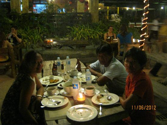 Dumaluan Beach Resort: restaurant