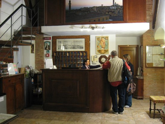 Hotel Alma Domus: Reception