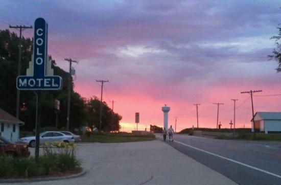 Sunrise at the Colo Motel