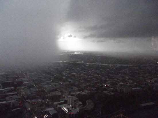 Meriton Serviced Apartments Brisbane on Adelaide Street: Storm approaching