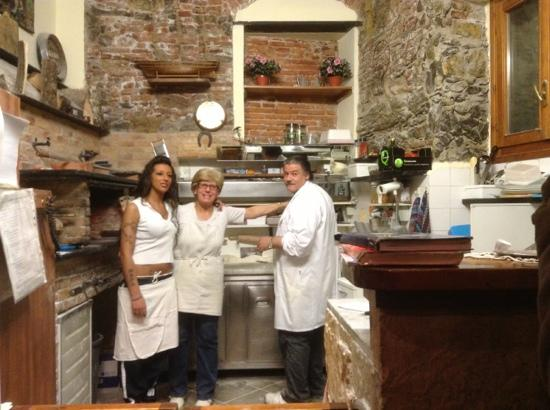 Pizzeria Ravecca da Pino : enjoyable to watch them work but don't eat the food
