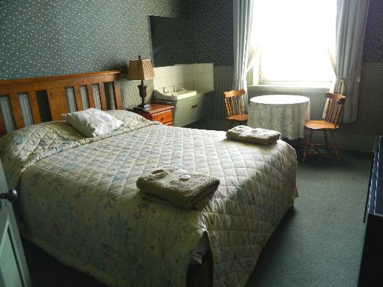 Cygnet Commercial Hotel : Standard Double Room