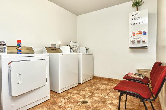 Comfort Inn & Suites Cedar City: Guest Laundry