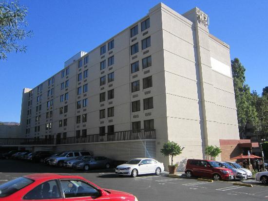 2 X Queen Room Picture Of Hilton Garden Inn Los Angeles Hollywood Los Angeles Tripadvisor