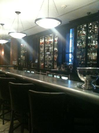 The Mandeville Hotel: Bar