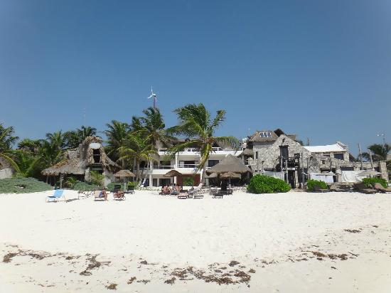 Amelie Tulum: View from the sea in front of the hotel