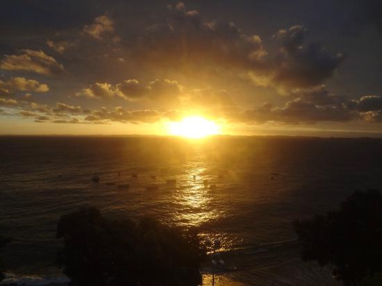 Hit Hotel: Pôr-do-sol.
