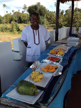 Pemba Island, Tanzanie : Breakfast on the terrace.