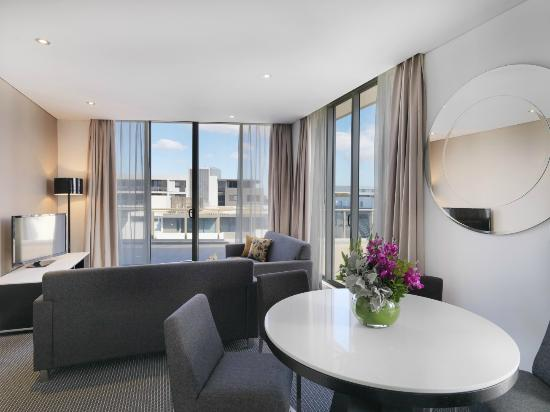 Meriton Serviced Apartments Zetland: Modern Suite with 3 Bedrooms