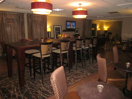 Hampton Inn Portage: The new lobby