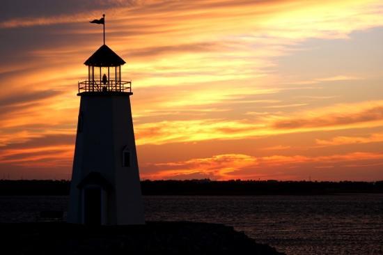Hefner Lake & Park: See Beautiful Sunsets at Lake Hefner