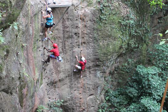 Costa Rica For Everyone: Adventure tour- rock climbing up the canyon