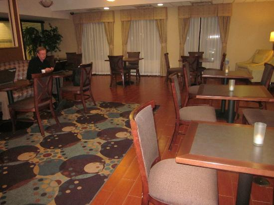 Hampton Inn Port Huron: Breakfast room