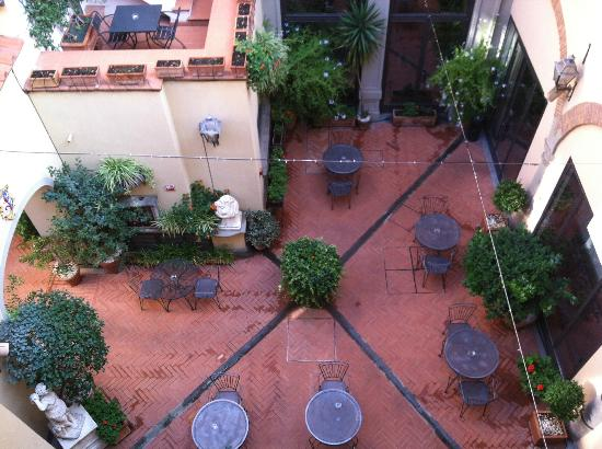 Hotel Rivoli: birds-eye view of couryard