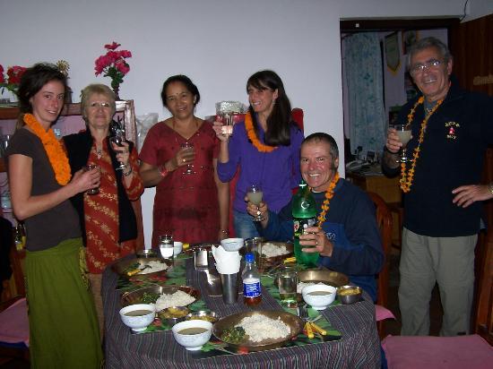 Le Rhododendron : Fête de Dipawali dans la salle à manger