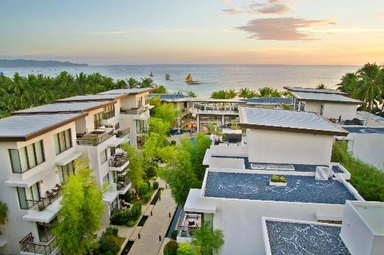Discovery Shores Boracay: Picture perfect view from the upper clusters
