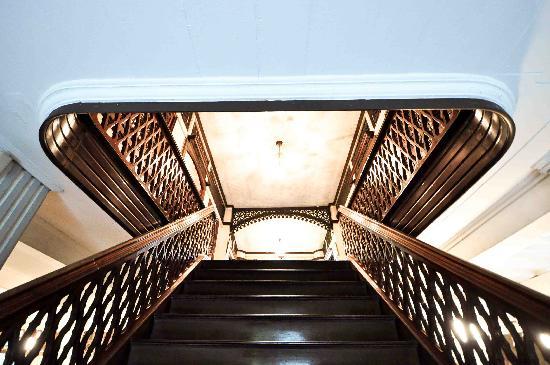 Balay ni Tana Dicang: Grand wooden staircase