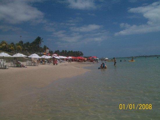Praia de Muro Alto: Vista da Barraca da Ana (guarda-sol vermelho)