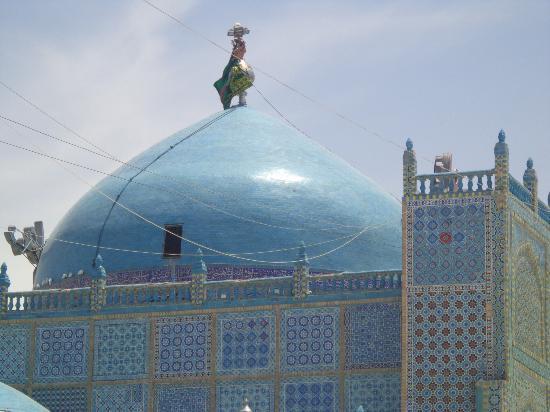 Shrine of Hazrat Ali, Blue Mosque, mosque in Mazar-i-Sharif