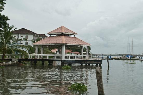 Bolgatty Palace and Island Resort: Hotel Jetty