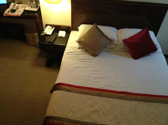 The Connaught: Small but nice room