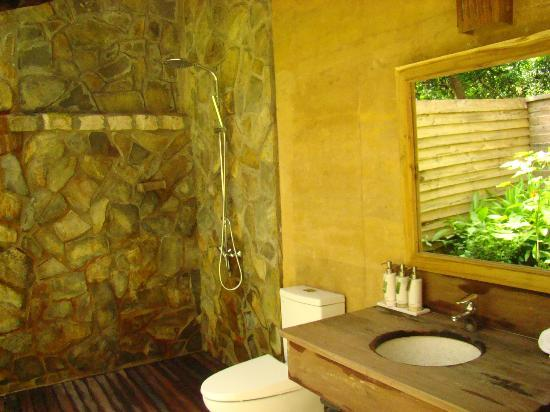 Mango Bay Resort: Eco restroom
