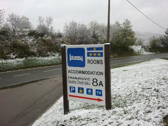 Guesthouse Franjkovic: Sign can be seen easily from the road