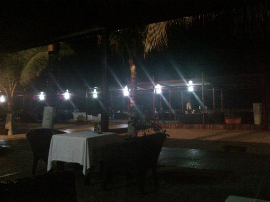 Twiga Hotel: Extérieur de ,Nuit