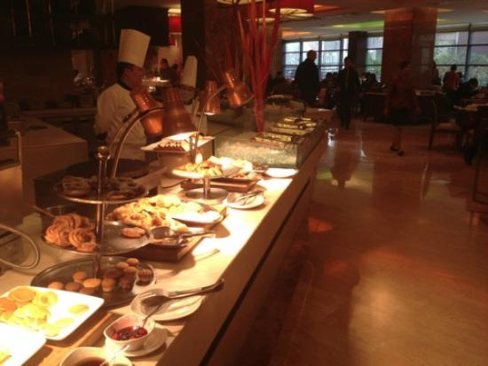 Crowne Plaza Beijing International Airport: Plenty of options at breakfast
