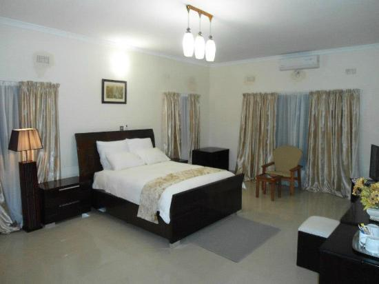 Waterfalls Hotel: Waterfalls Rooms