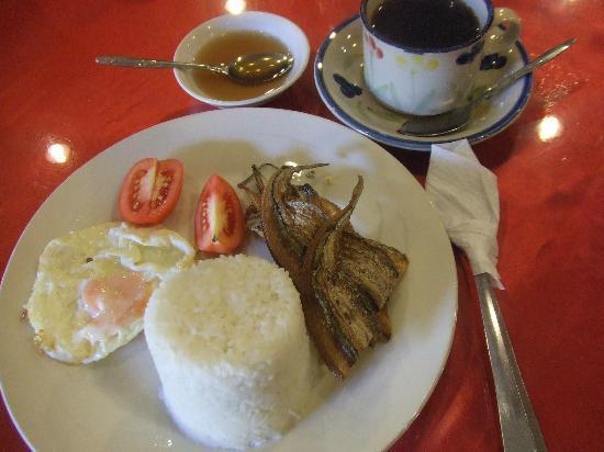 Paladin Hotel: fried fish breakfas
