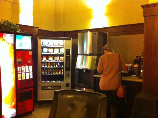 Baldwin Hotel: Vending Machine and Free Flow of Hot Drinks