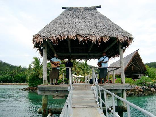 Likuliku Lagoon Resort: Welcome song