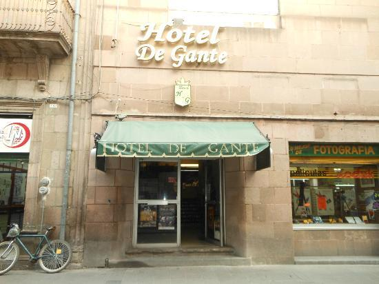 Hotel de Gante: Front entrance OCT2012
