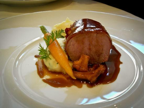 Restaurant Patrick Guilbaud: Loin of Veal in Pancetta Girolles, Carrot, Herb Potato