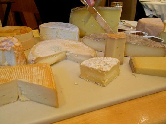 Restaurant Patrick Guilbaud: Selection of Irish and French Farmhouse Cheese