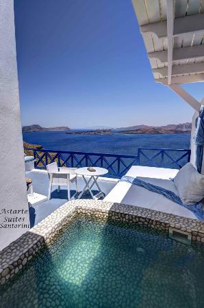 Santorini | Astarte Suites | Executive suite private open air Jacuzzi views