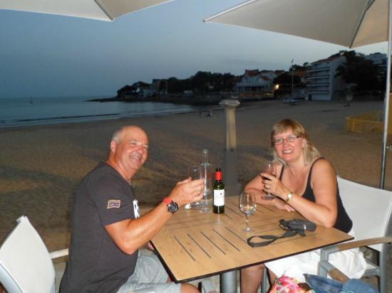 Chez Bob: enjoying a meal by the seafront