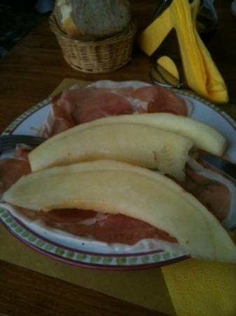 Osteria da Luisella: proscuitto + melone = delicious
