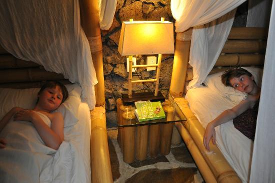 Coconuts Beach Club: Boys bedroom