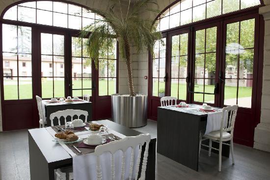 Le Domaine des Lys : Salle Petit-Déjeuner