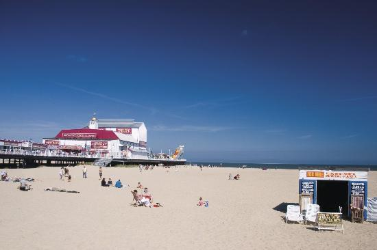 Great Yarmouth Beach near Parkdean Cherry Tree Holiday Park